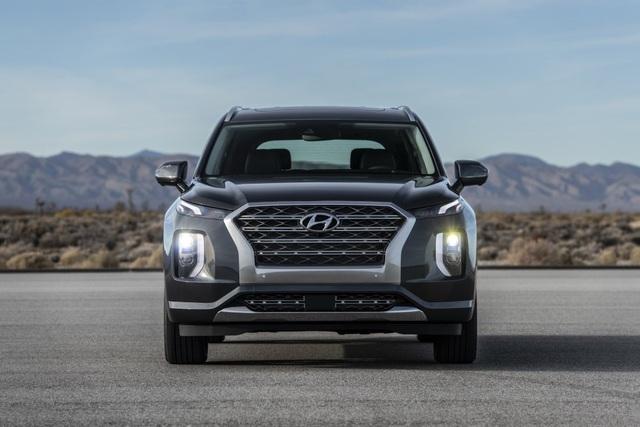 Hyundai Palisade cạnh tranh với Ford Explorer bằng giá bán - 2