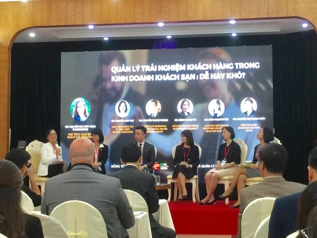 Các khách mời bàn luận về Quản lý trải nghiệm khách hàng trong kinh doanh khách sạn - Dễ hay khó