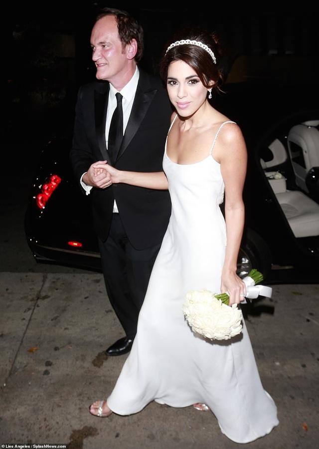 Đạo diễn quái kiệt Quentin Tarantino cưới vợ lần đầu ở tuổi 55 - 26