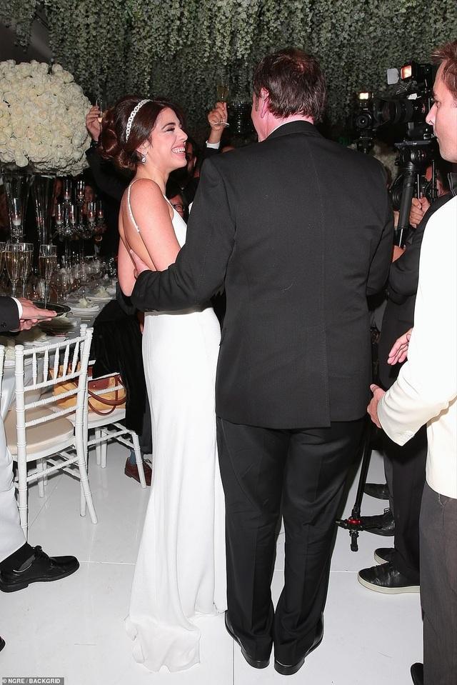 Đạo diễn quái kiệt Quentin Tarantino cưới vợ lần đầu ở tuổi 55 - 21