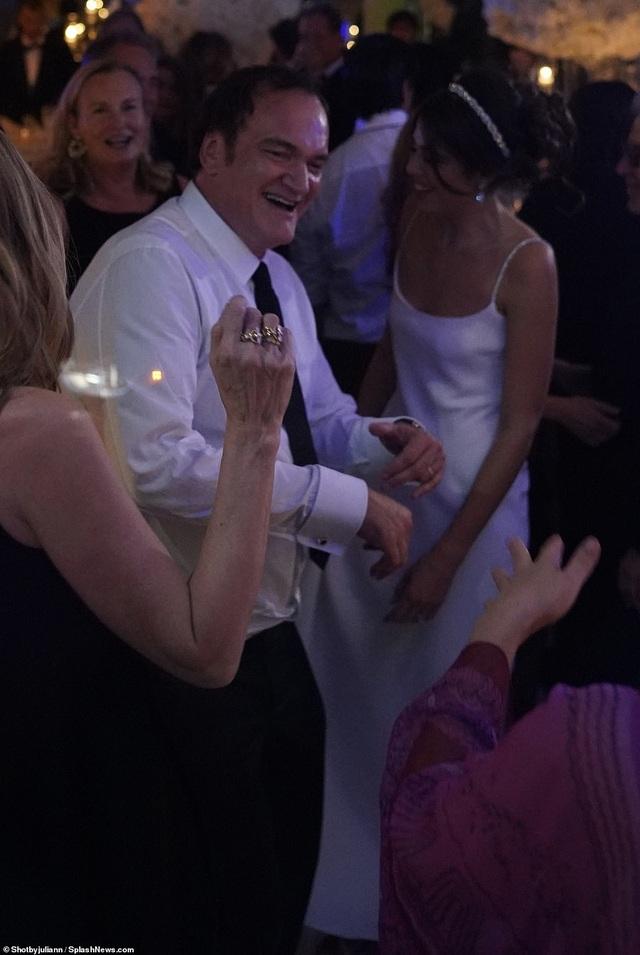 Đạo diễn quái kiệt Quentin Tarantino cưới vợ lần đầu ở tuổi 55 - 30