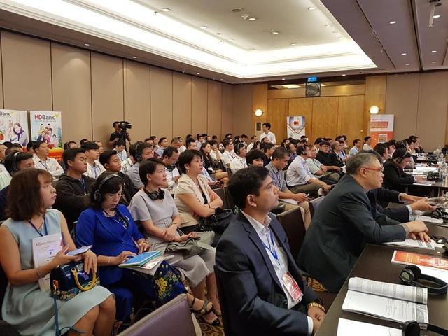Hội thảo có sự hiện diện của nhiều chuyên gia hàng đầu trong lĩnh vực bảo mật thông tin của Việt Nam và Singapore.