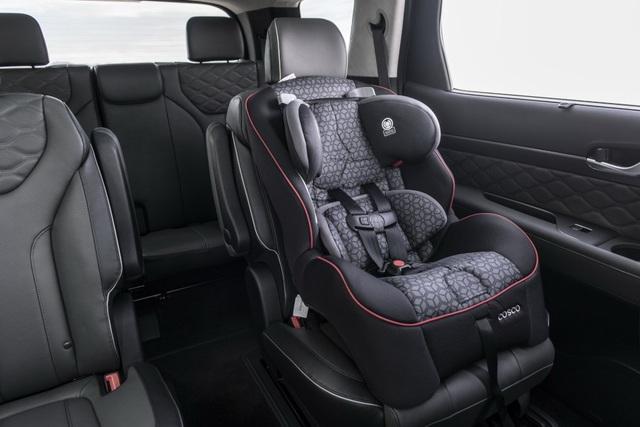 Hyundai Palisade cạnh tranh với Ford Explorer bằng giá bán - 17