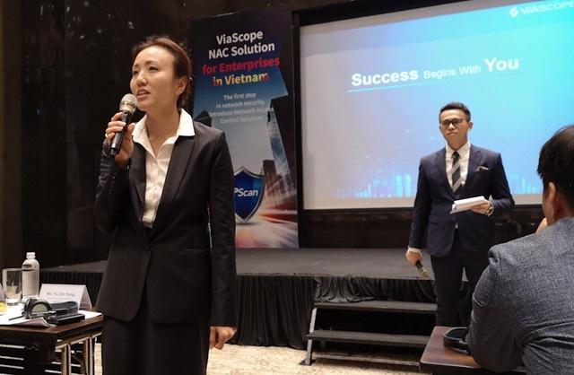 Đại diện của ViaScope giới thiệu về các giải pháp dành cho doanh nghiệp Việt Nam.
