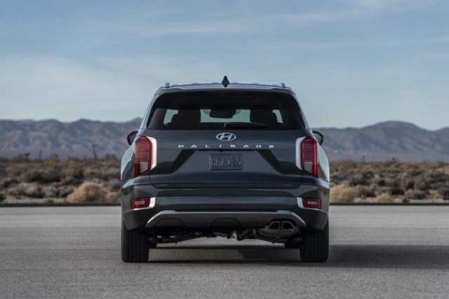 Hyundai Palisade cạnh tranh với Ford Explorer bằng giá bán - 7