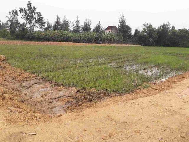 Khu vực mở rộng nghĩa trang Hàn Vông đang thi công dở.