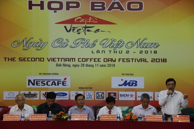 BTC Ngày hội cà phê Việt Nam trả lời tại buổi họp báo