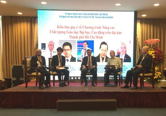 Các chuyên gia trí thức đóng góp ý kiến để TPHCM phát triển chất lượng giáo dục.
