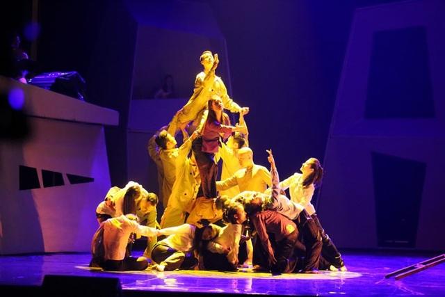Vừa ra viện, Diva Hồng Nhung vẫn hát hết mình trên sân khấu - 6