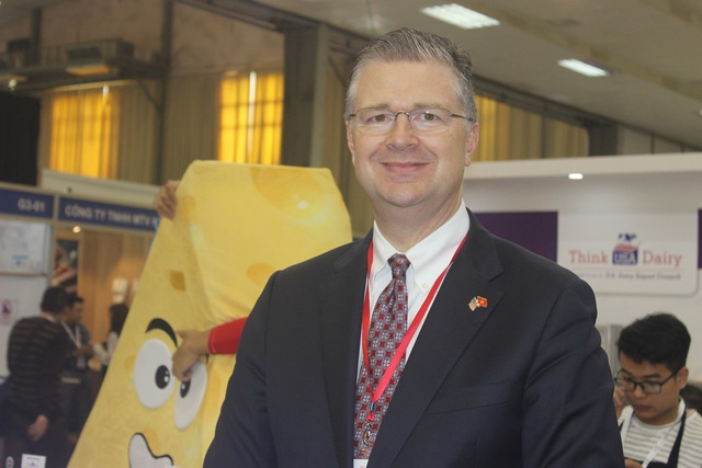 Đại sứ Mỹ tại Việt Nam Daniel Kritenbrink tới dự hội chợ triển lãm thực phẩm và khách sạn Hà Nội 2018. (Ảnh: Thành Đạt)