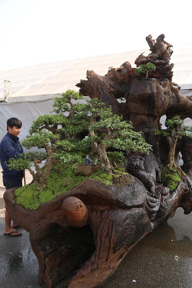 Được biết, đây là lần đầu tiên anh Thịnh mang bộ tác phẩm này ra Hà Nội trưng bày.