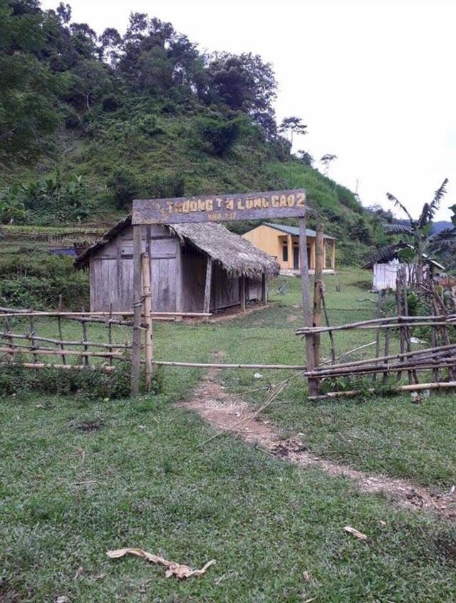 Điểm trường lẻ Khu Kịt, Trường tiểu học Lũng Cao 2 trước khi được xây dựng là 2 phòng học bằng tranh tre nứa lá