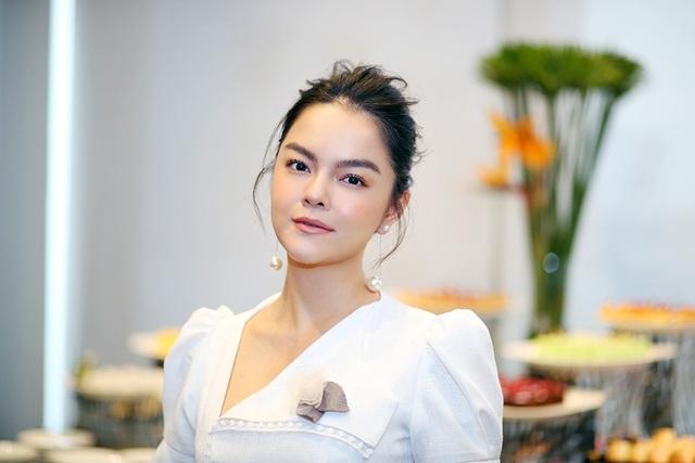 Câu chuyện về Phạm Quỳnh Anh và cuộc sống sau hôn nhân của nữ ca sĩ cũng nhận được nhiều sự quan tâm của khán giả và truyền thông.