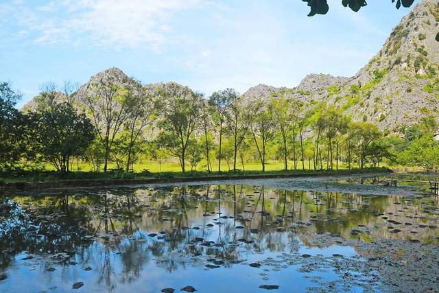 Để thu hút khách du lịch, Ban quản lý cũng đã tạo thêm nhiều khung cảnh, phù hợp với thiên nhiên nhưng vẫn thuận tiện cho du khách trải nghiệm.