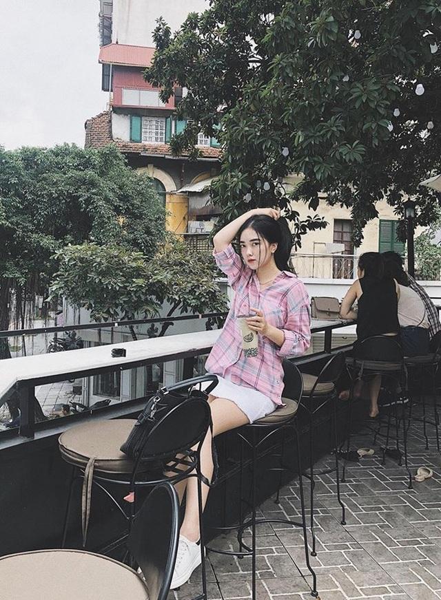 Làn da trắng và vóc dáng cân đối tạo nên sức hút cho Hà Trang.