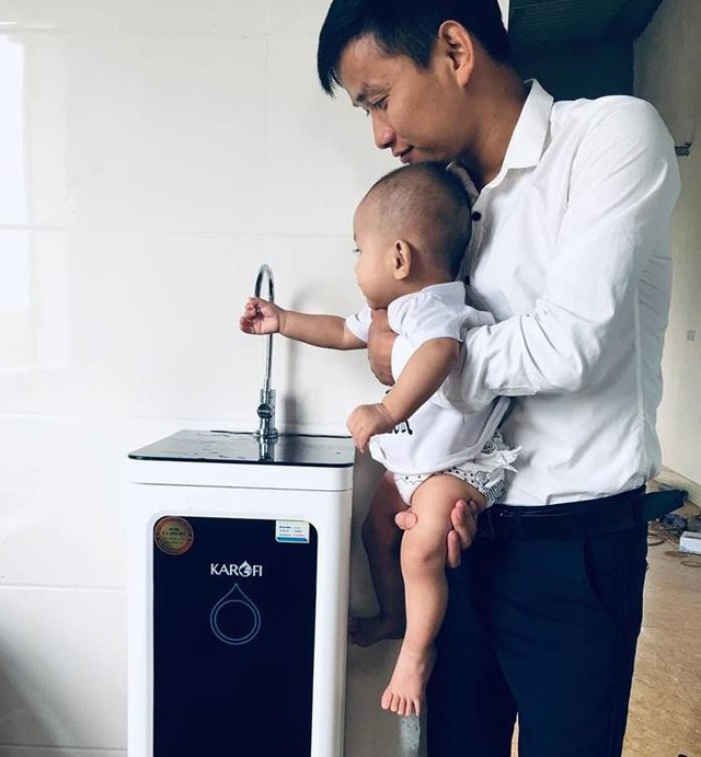 Sử dụng nguồn nước đảm bảo trong ăn uống và tắm cho bé hàng ngày để bé luôn khỏe mạnh, tránh được các bệnh ngoài da.
