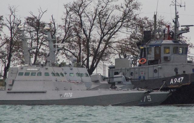 Các tàu Ukraine bị Nga bắt giữ. (Ảnh: Reuters)