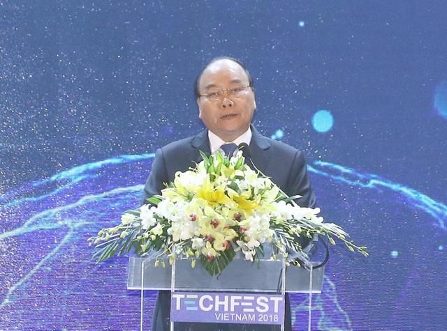 Thủ tướng Chính phủ Nguyễn Xuân Phúc tiếp lửa về khởi nghiệp cho giới trẻ.