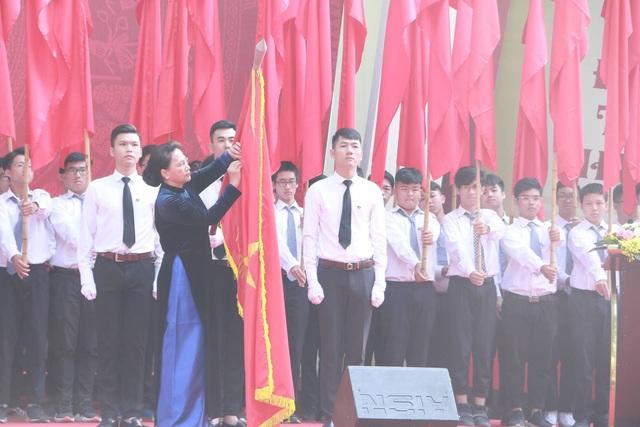 Nhà trường vinh dự được Đảng, Nhà nước trao tặng Huân chương Độc lập hạng Ba.