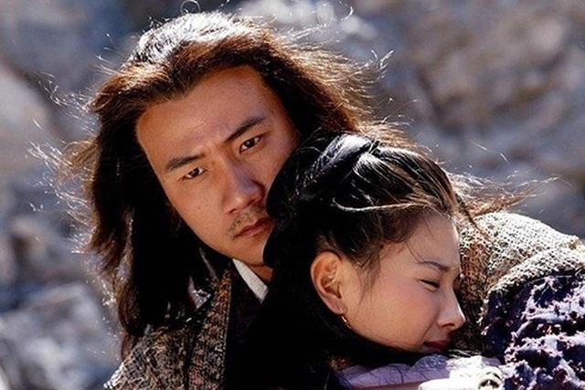 Tiêu Phong là nhân vật chính trong Thiên long bát bộ