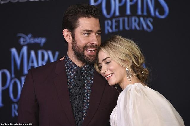 Emily Blunt và khoảnh khắc ngọt ngào bên chồng John Krasinski
