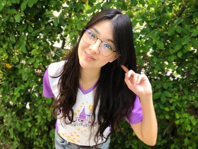Nữ bác sĩ xinh đẹp ĐT Thái Lan tại AFF Cup khiến dân mạng xao xuyến - 8