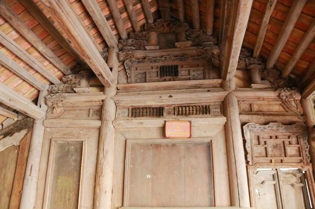 Các nhà cổ thuộc khu nhà giàu ở Cố Viên Lầu đều có niên đại trên 100 năm. Chủ nhân Cố Viên Lầu đã cất công và bỏ nhiều công sức trong rất nhiều năm mới đưa được những ngôi nhà cổ về trưng bày ở đây. Nhà có niên đại cao nhất là nhà cổ Ninh Sơn với tuổi đời trên 350 năm, nhà cổ Ninh Xuân trên 200 năm...