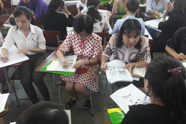 Các nhà quản lý, giáo viên tiểu học ở TPHCM trong chuyên đề tập huấn ứng xứ trước các vấn đề của học trò.