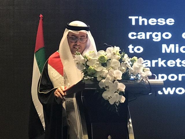 Đại sứ Obaid Saeed Obaid Bintaresh Al Dhaheri phát biểu tại lễ mừng quốc khách UAE