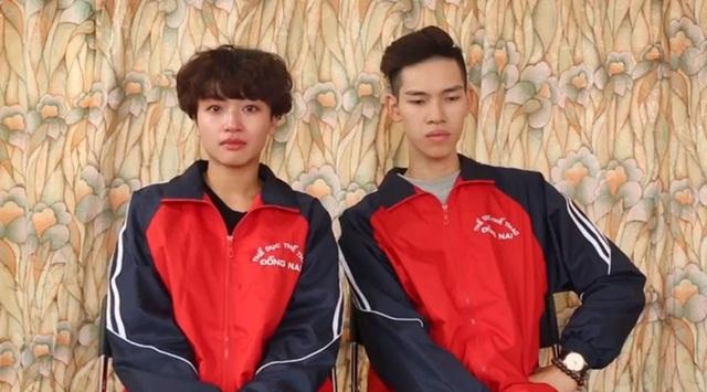 Hai học trò của Khánh Thi sốc khi lên nhận giải.