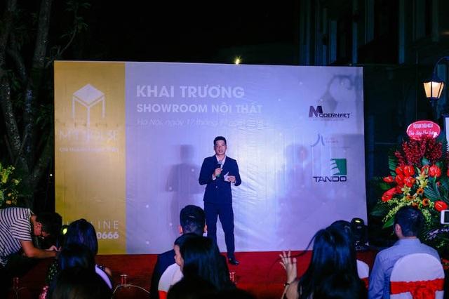 Giám đốc chi nhánh Thanh Xuân - Nguyễn Hữu Khang phát biểu khai trương showroom