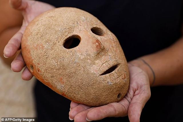 Chiếc mặt nạ có thể được sử dụng trong những nghi lễ tôn giáo thời cổ đại.