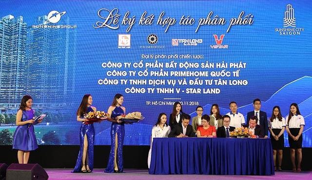 Các đại lý phân phối, đối tác của Sunshine cam kết mang những thông tin chính thống và đầy đủ nhất về dự án tới khách hàng, đồng lòng đưa Sunshine City Sài Gòn trở thành dự án bùng nổ nhất tại Tp.HCM trong thời gian tới.