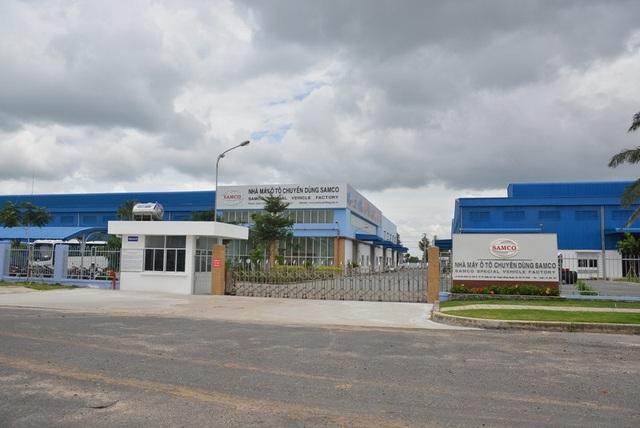 Nhà máy ô tô Chuyên dùng Samco tại huyện Củ Chi, TPHCM chính là Nhà máy ô tô Thương mại Samco trước đây. Đây là nơi sản xuất dòng xe khách Fuso Rosa nhưng bị thua lỗ nặng nề.