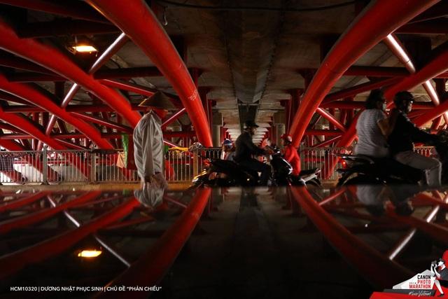 Bức ảnh đạt giải ba của chủ đề Phản chiếu của thí sinh Dương Nhật Phục Sinh.