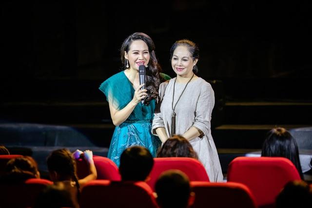 NSND Thu Hiền và NSƯT Hà Thuỷ, hai người cô giáo mà Phạm Phương Thảo vô cùng quý mến.