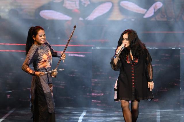 Các ca sĩ khách mời đã góp phần làm cho màu sắc âm nhạc của liveshow trở nên ấn tượng.