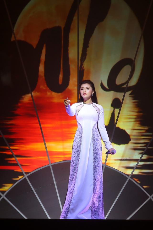 Trọng Tấn, Nguyễn Ngọc Anh và Nguyễn Thu Hằng đều hát các ca khúc do chính Phạm Phương Thảo sáng tác.