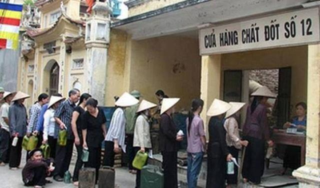 Những cửa hàng phân phát nhu yếu phẩm hàng ngày cho người dân.