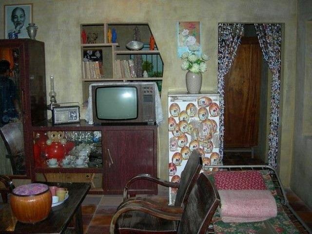 Phòng khách chuẩn theo phong cách thời bao cấp.