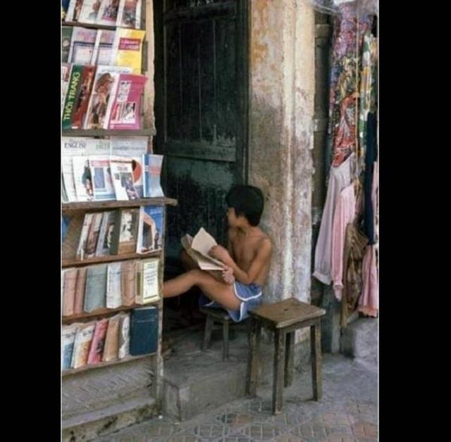 Cửa hàng cho thuê truyện - ước mơ của những đứa trẻ thời xưa.