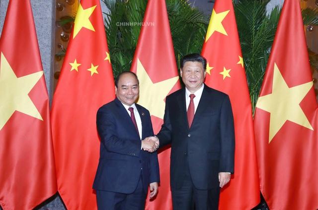 Thủ tướng Nguyễn Xuân Phúc và Chủ tịch Trung Quốc Tập Cận Bình (ảnh: VGP)
