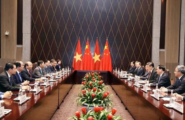 Cuộc hội kiến giữa Thủ tướng Nguyễn Xuân Phúc và Chủ tịch Trung Quốc Tập Cận Bình ngày 4/11 (ảnh: TTXVN)