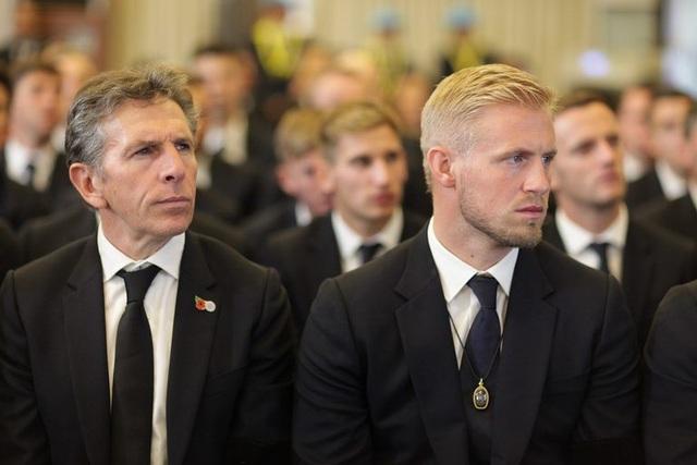 Toàn đội Leicester City có mặt ở Thái Lan để dự lễ tang ông chủ - 8