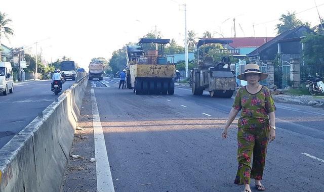 Quốc lộ 1 qua tỉnh Bình Định bị hư hỏng.