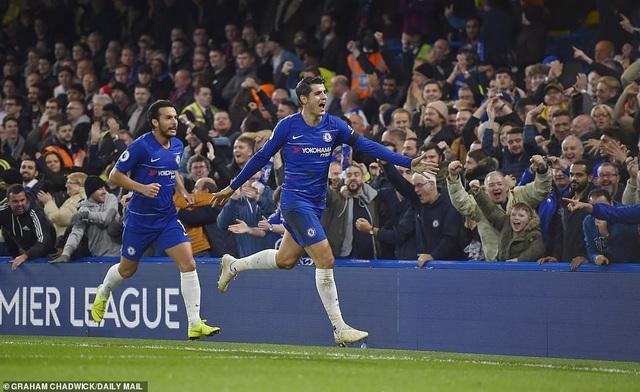 Morata (phải) tỏa sáng với một cú đúp