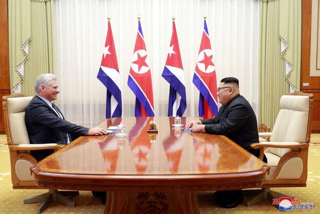 Ông Kim Jong-un và ông Miguel Diaz-Canel đã có cuộc hội đàm song phương tại nhà khách quốc gia Paekhwawon vào chiều 4/11.