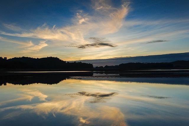 Quảng Nam: Hồ Phú Ninh mùa nước cạn đẹp như tranh vẽ - 11