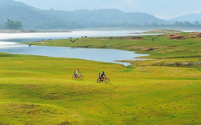 Quảng Nam: Hồ Phú Ninh mùa nước cạn đẹp như tranh vẽ - 2