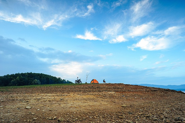 Quảng Nam: Hồ Phú Ninh mùa nước cạn đẹp như tranh vẽ - 8